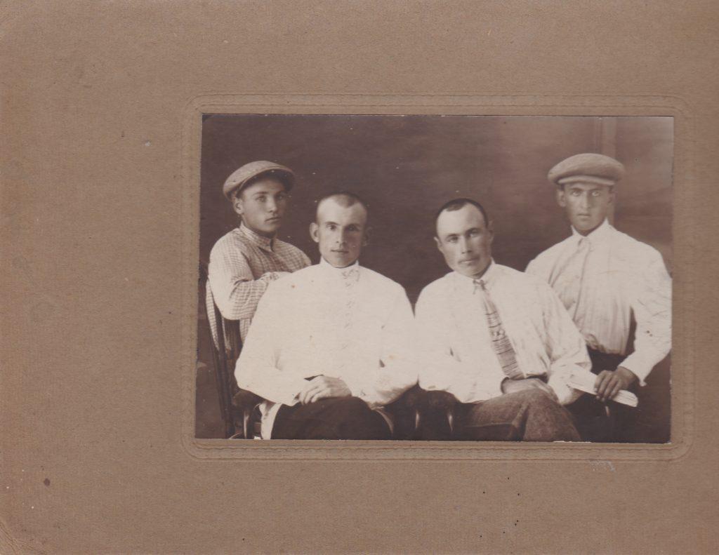Геннадий Воловников . Члены окружного совета физкультуры. 1928г.