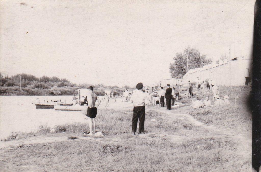 СТАРОБЕЛЬСК, 1965год, ПЛЯЖ В ПАРКЕ КиО ВОЗЛЕ СТАДИОНА
